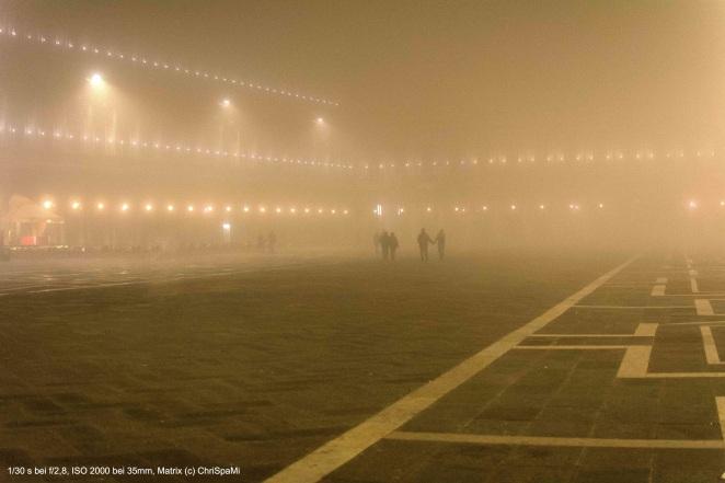 Nebel auf dem Markusplatz - take my hand