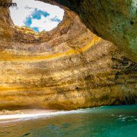 Baden in der Kathedrale: Praia de Benagil