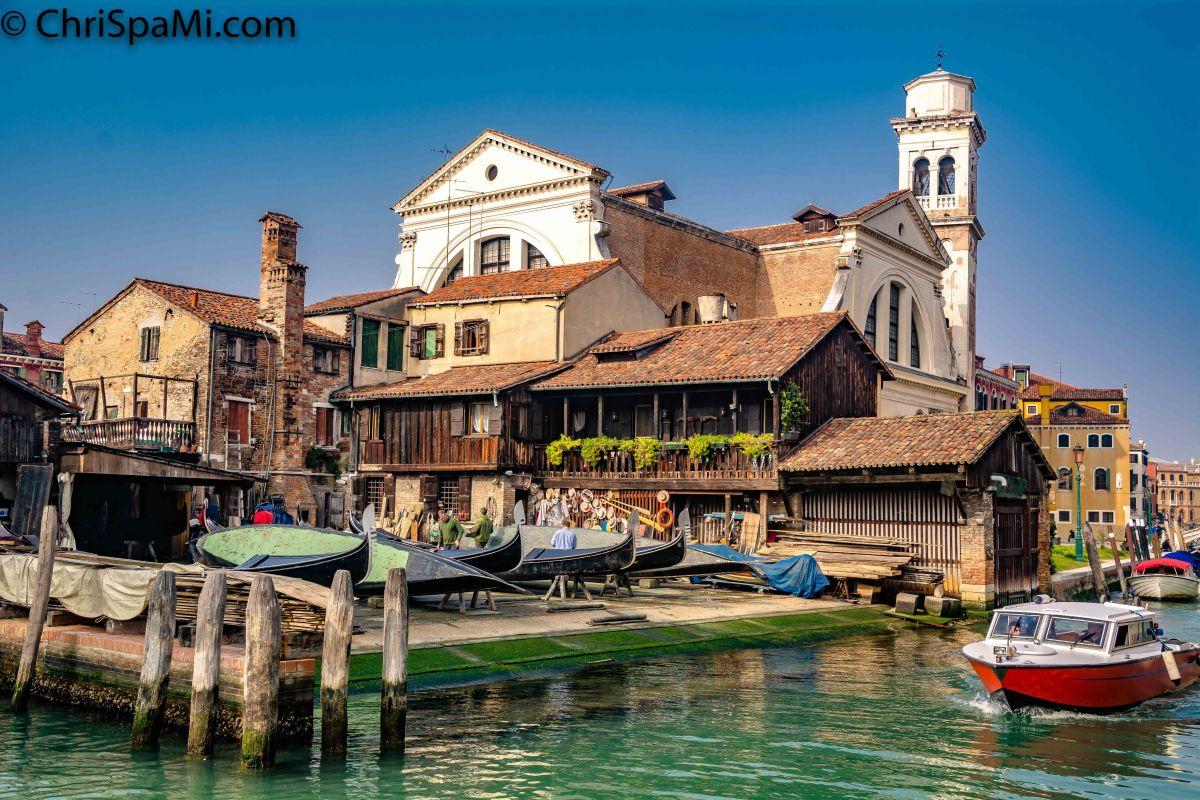 #Gondel #Bootsbauer in #Venedig